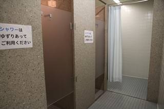 女子シャワー室