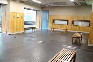 アイススケート場 暖房室