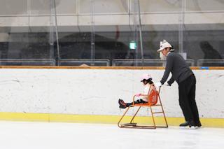 アイススケート場 貸しソリ